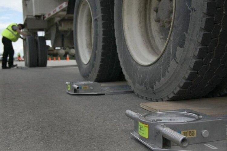 Волинь серед лідерів за кількістю оштрафованих вантажівок із надлишковою вагою