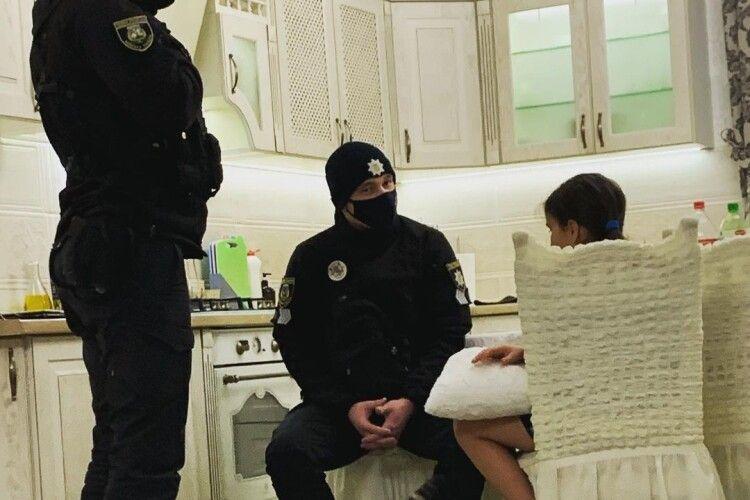 Відома українська співачка викликала додому поліцію через доньку