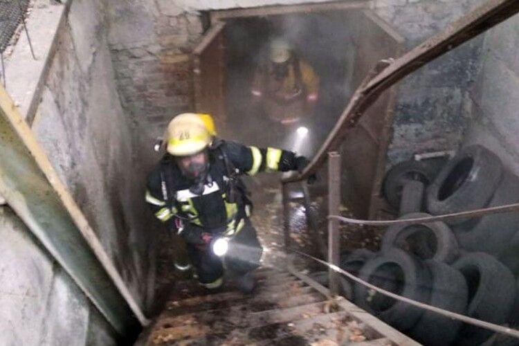 Згорів разом зі сміттям: під час гасіння пожежі знайшли труп чоловіка (Фото)