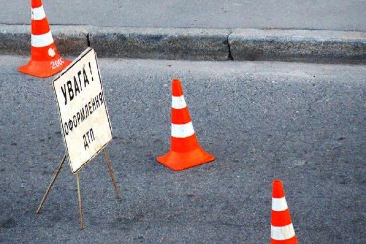 У Турійському районі вантажівка насмерть збила пішохода