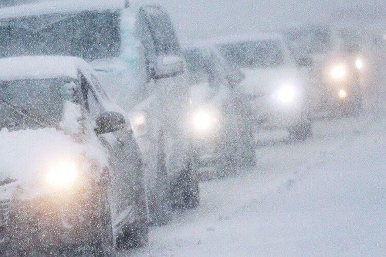 Волинських водіїв попередили про погану видимість на дорозі