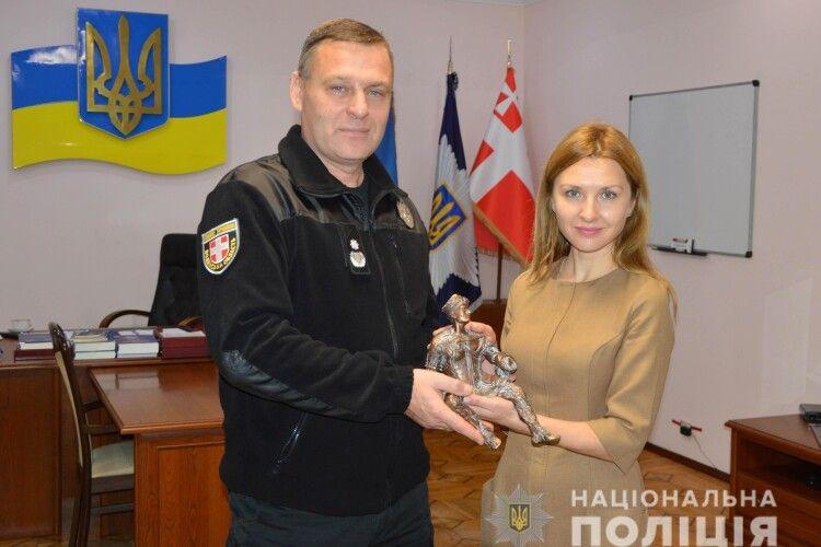 Волинські поліцейські повернули Луцьку, викрадений злодієм, символ міста