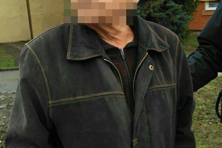 У Рівному патрульні врятували літнього чоловіка (фото)