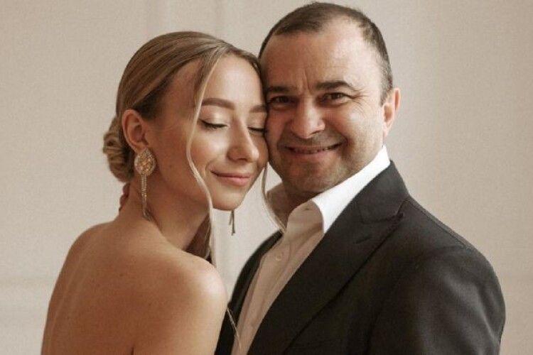 Віктор Павлік одружився з удвічі молодшою коханою (Фото)