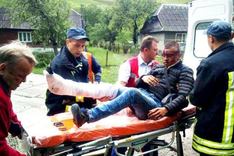 На Закарпатті з потяга випав 19-річний юнак