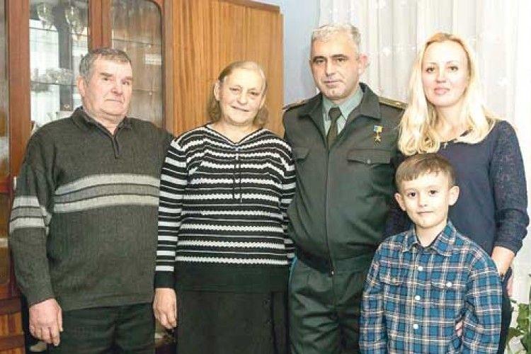 Батьки Героя України: «Як тільки Андрій пішов в АТО, ми замовили службу по всіх церквах»