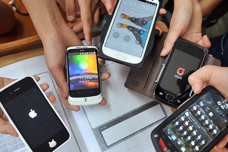 Сучасні телефони і планшети — «цифровий героїн» для дітей