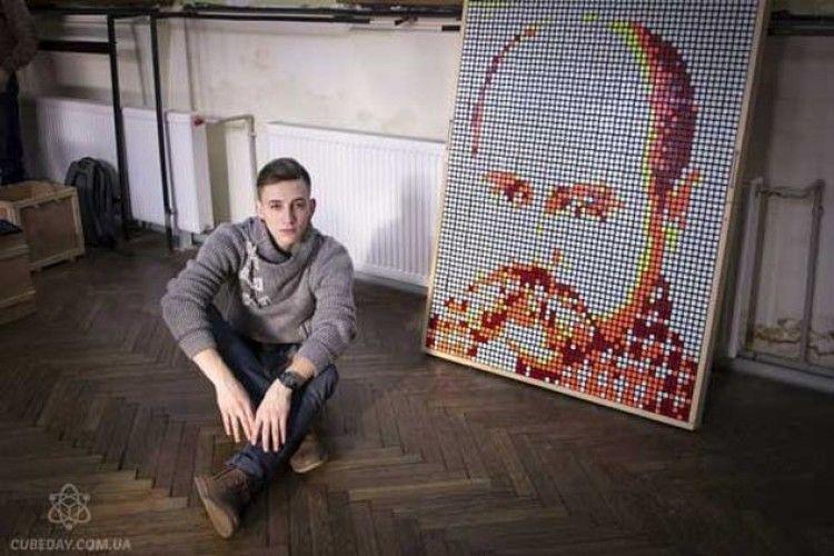 Ковельчанин із кубиків Рубика створив... Тараса Шевченка (ВІДЕО)