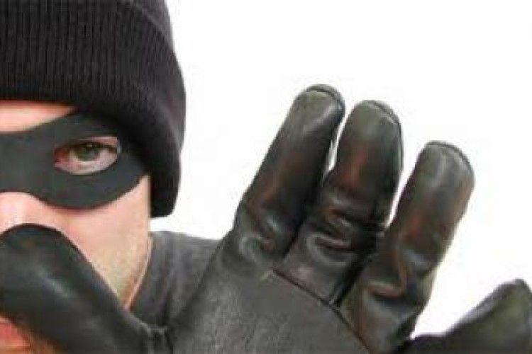 Затримали крадія, який поцупив з «Колізею» майна на 500 тисяч гривень