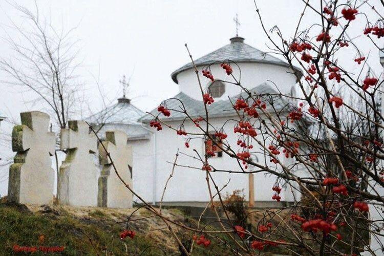 Освятили храм, який 32роки будував... художник