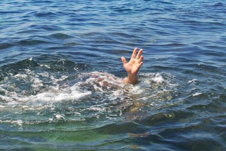 На Світязі врятували дівчинку, а її сестра втонула: подробиці трагедії