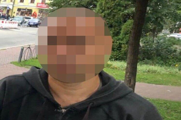 Молода жінка познайомилася в інтернеті з чоловіком, а вже наступного дня він її зґвалтував і обікрав