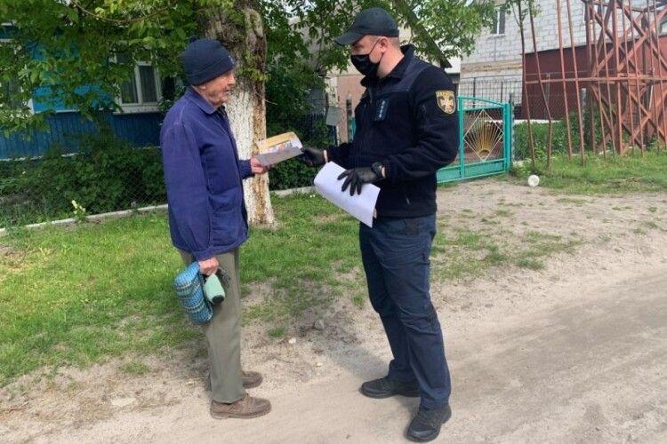 У Ківерцях бійці ДСНС вчили містян відбиватися від червоного півня (Фото)