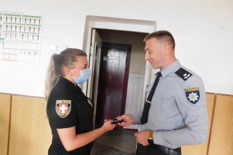 Від охочих привітати горохівських поліцейських було тісно в залі