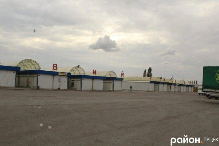 У Луцьку автобуси маршруту №9 їздитимуть до Нового ринку після початку його роботи