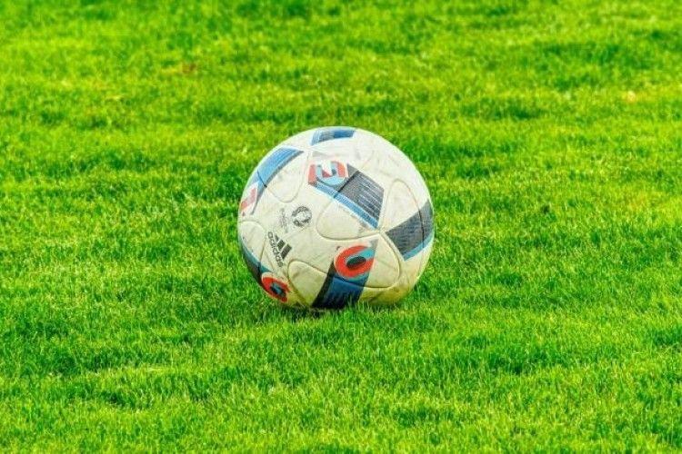 60 фанатів футбольного клубу затримали за підозрою у зґвалтуванні