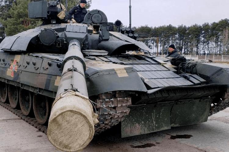 На полігоні випробовують модернізований танк Т-72