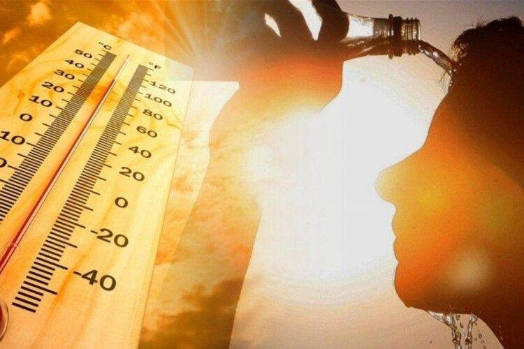 «Трохи прохолодніше, ніж в Африці»: Україну накриє пекельна спека (Відео)
