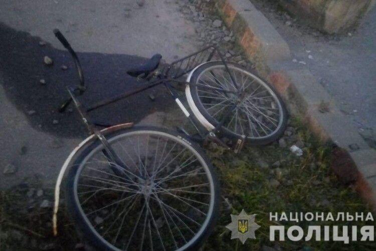 Поїзд збив хлопця на велосипеді: дитина загинула (Фото 18+)