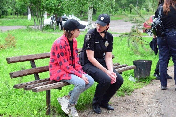 Перейшла мінне поле, аби потрапити в Україну: з окупованої Горлівки втекла 16-річна дівчина