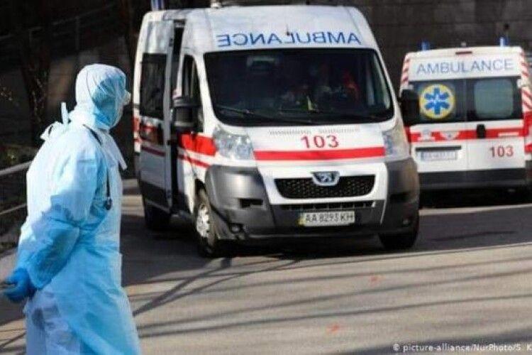 На Рівненщині у «швидкій» помер пацієнт з коронавірусом