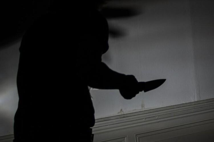 У луцькій квартирі виявили мертвого чоловіка. Людину вбили