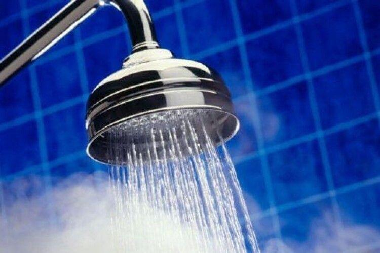 У Луцьку поки не можуть відновити постачання гарячої води