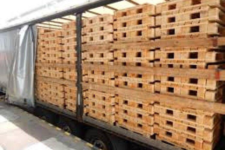 У «Ягодині» затримали вантажівку з деревиною, яку вивозили до Польщі