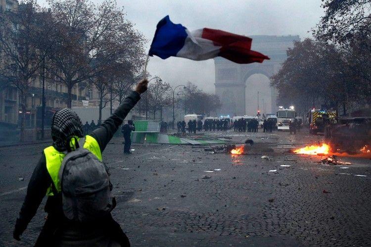 Протести у Франції: 118 поранених, до 2 тисяч затриманих