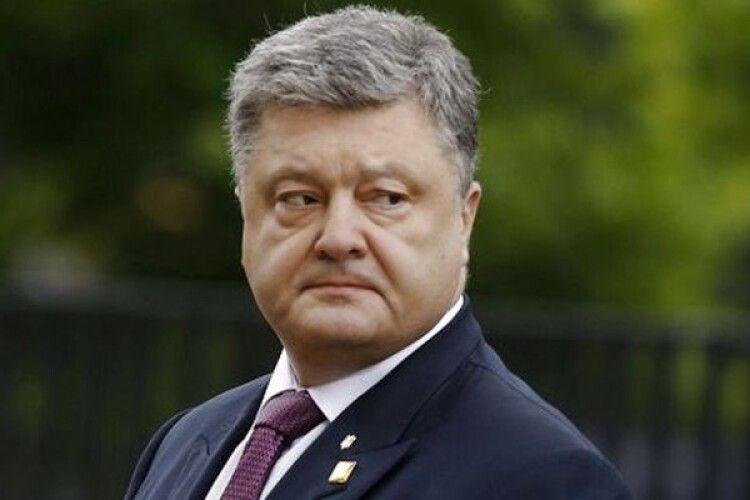Петро Порошенко повідомив, що у нього виявили коронавірус