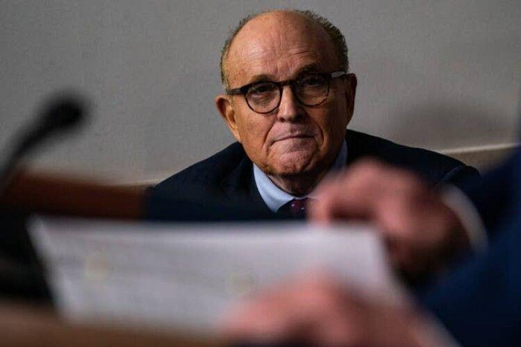 Єрмак обіцяв Джуліані відновити розслідування щодо сина Байдена, але прокуратура не знайшла жодних доказів, – Рябошапка