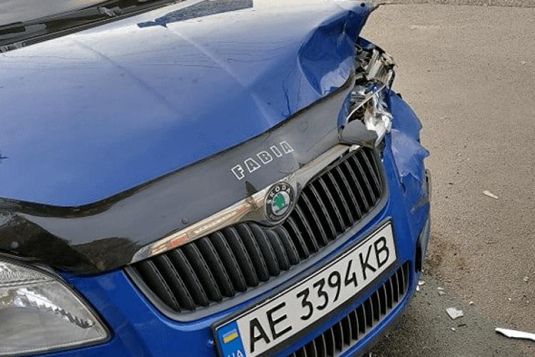Через слизьке дорожнє покриття у Луцьку зіткнулися авто (Фото)