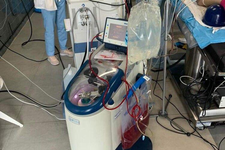 Через релігію батьки заборонили вливати доньці кров: львівські нейрохірурги прооперували дитину без крововтрати
