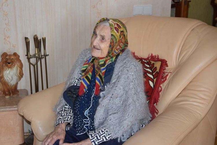 Лучанка-довгожителька у 103 роки любить випити кави (ФОТО)