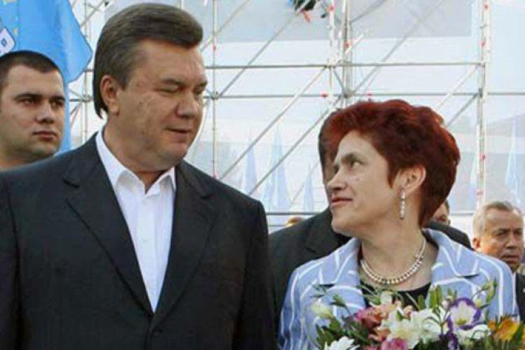 Янукович спростовує, що розлучився з Людмилою