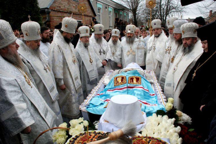 Волинь попрощалася з митрополитом Ніфонтом (фото)