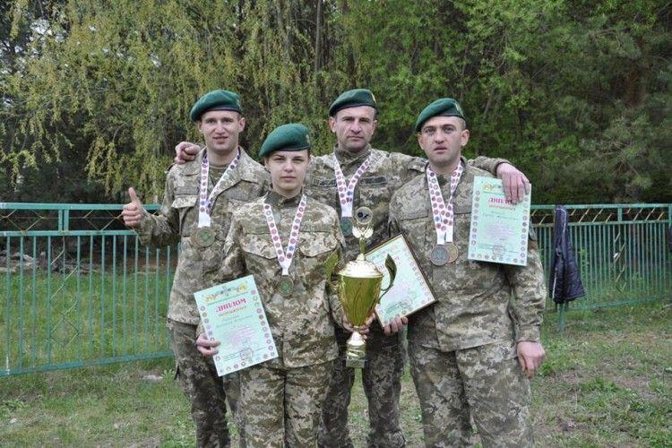 Команда Луцького прикордонного загону перемогла на чемпіонаті ДПС зі спортивного орієнтування (фото)