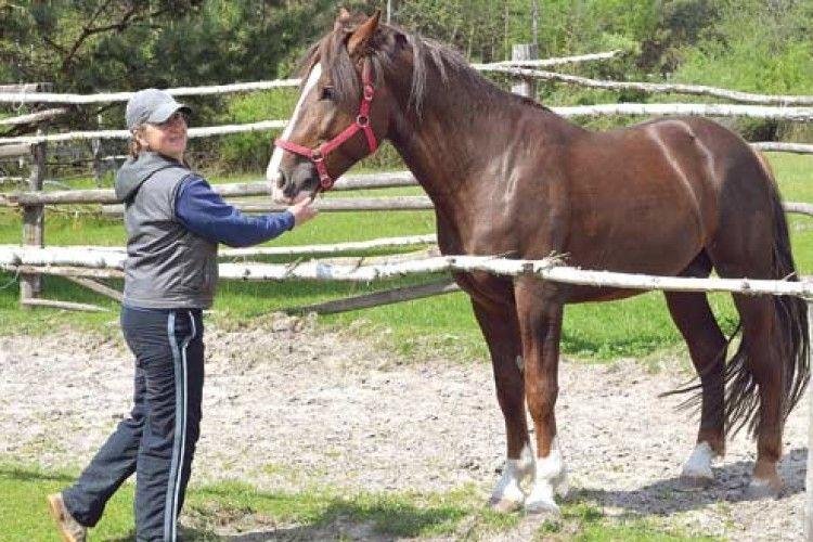 Заради коней поміняла Київ на поліський хутір