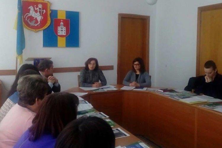 У Володимирі-Волинському обговорили захист прав дітей
