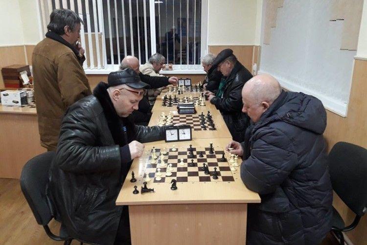 У Луцьку ходили е2-е4 в пам'ять про найстарішого шахіста Волині (фото)