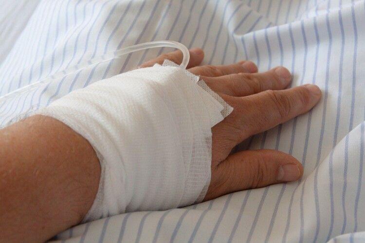 У Рівному в лікарні помер водій маршрутки, якого побив 26-річний чоловік