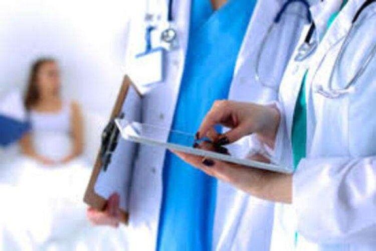 Треба берегти медиків, борятувати хворих буде нікому