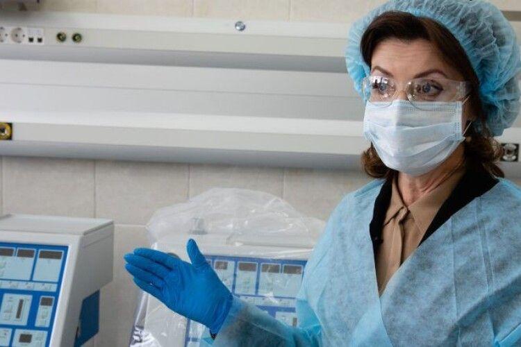 Марина Порошенко: потрібно терміново нарощувати штат лікарів, забезпечити їх щепленням і реальними доплатами