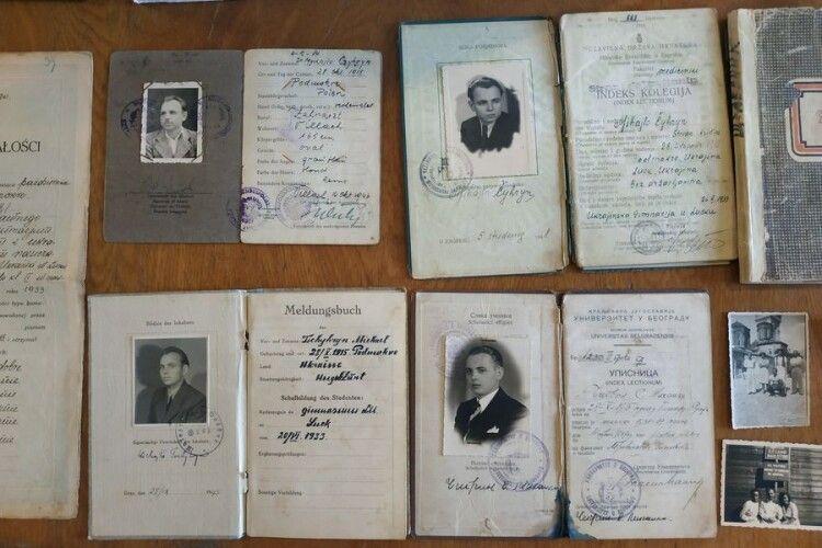 У Луцьку в музей передали архів волинянина з Австралії (Фото)