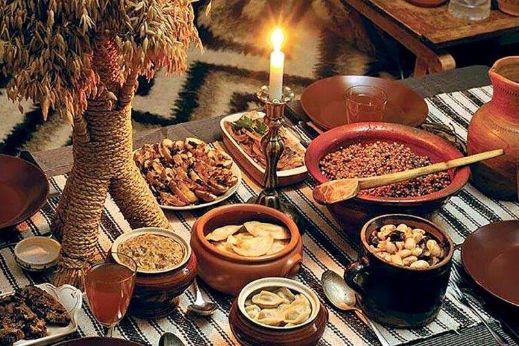 На Святвечір не обов'язково готувати 12 страв, – волинський священник