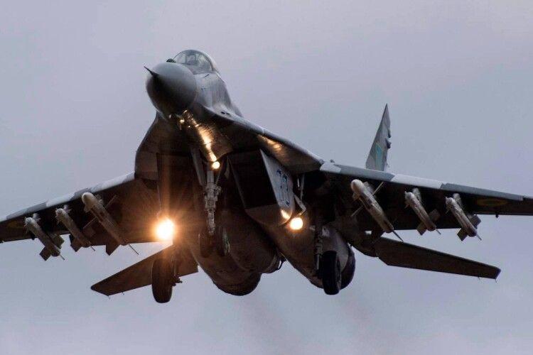 Бригада тактичної авіації, що дислокується в Луцьку заступила на бойове чергування (Фото)