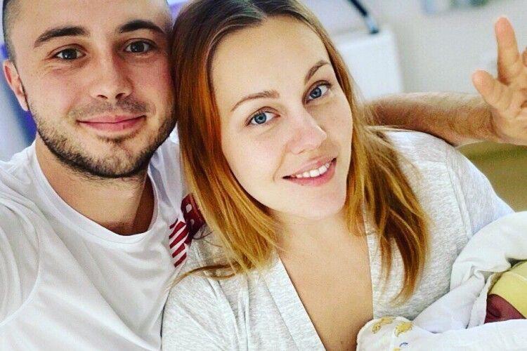 У зіркового українського подружжя народилася третя дитина