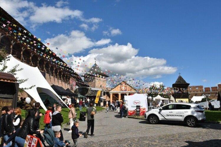 Лучани святкують День міста на Lutsk Food Fest (Фото)