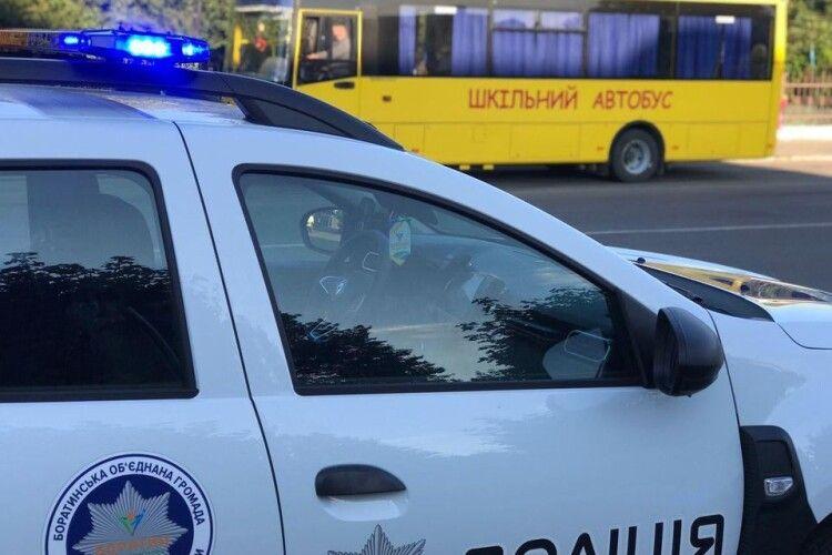 Біля школи у селі під Луцьком чергуватимуть поліцейські