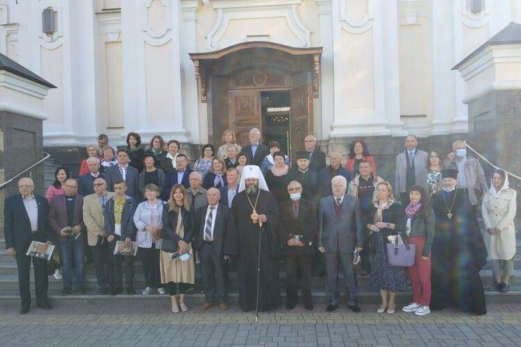 Митрополит Луцький і Волинський Михаїл став журналістом (Фото)
